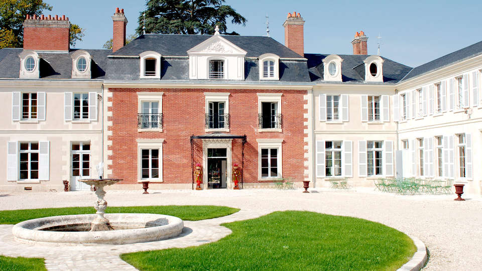 Hôtel & Spa du Domaine des Thômeaux, The Originals Relais (Relais du Silence) - Edit_front2.jpg