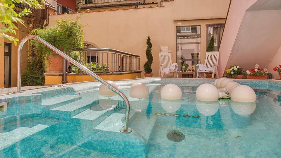 Hotel Rivoli - edit_poolX.jpg