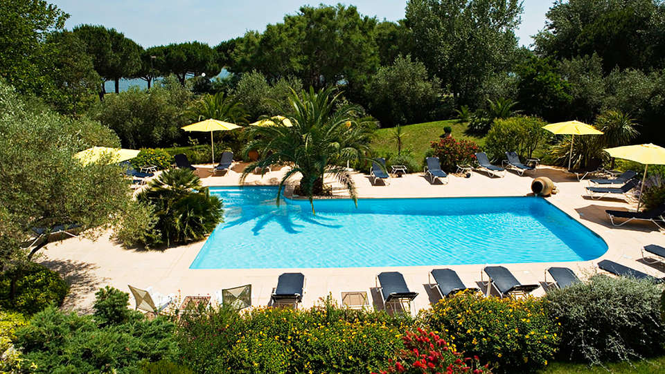 Best Western Golf Hôtel - La Grande motte - EDIT_pool2.jpg