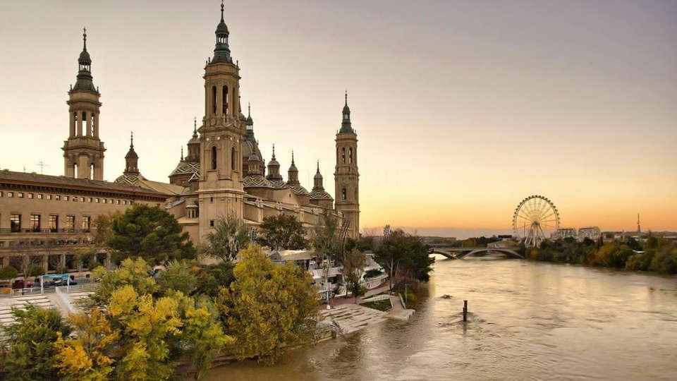 Hotel Zaragoza Royal - edit_catedral_pilar.jpg