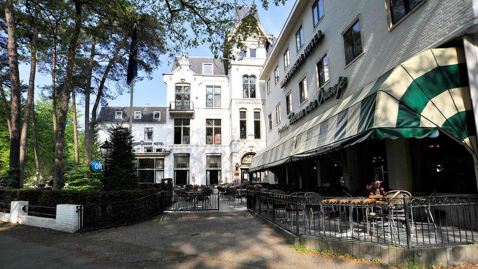 Hotel Mastbosch Breda - EDIT_terracefront.jpg