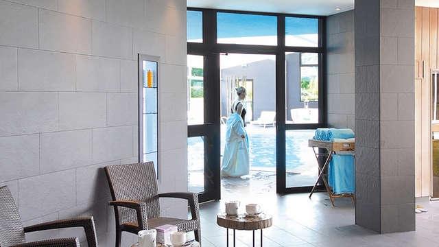 Offre Spéciale Ponts : Bien-être en Suite avec dîner près de Brocéliande