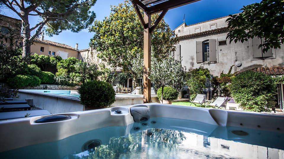 Villa Regalido - EDIT_jacuzzi2.jpg