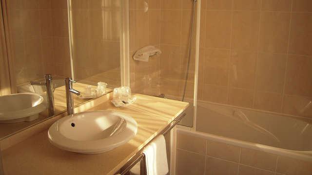 Hotel Georges VI - Biarritz - Salle de bain