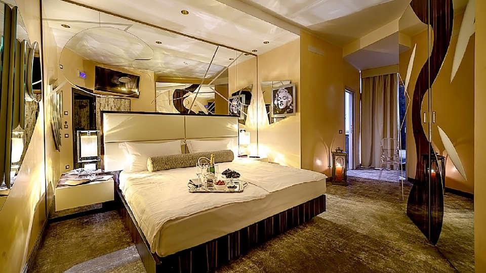 Hotel Corona - Edit_Room2.jpg