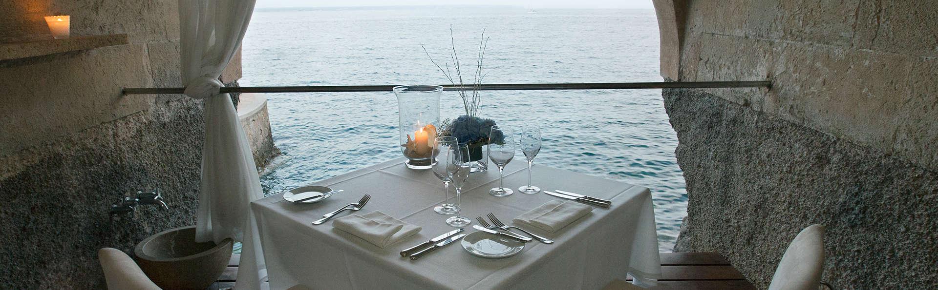 Week-end romantique avec dîner, spa et piscine dans la chambre : vivez votre histoire d'amour comme dans les films