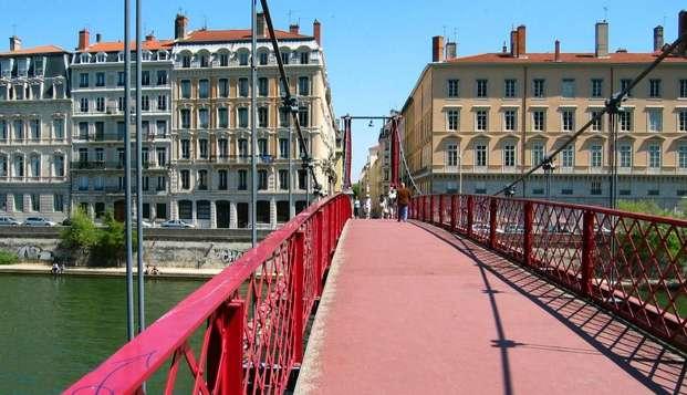 Hotel de Normandie - lyon-passerelle-vers-la-presqu-ile
