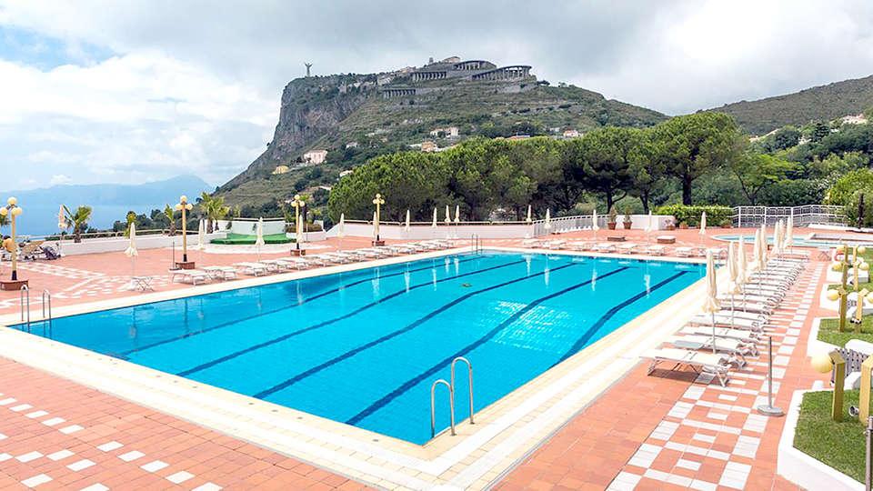 Grand Hotel Pianeta Maratea - Edit_Pool.jpg