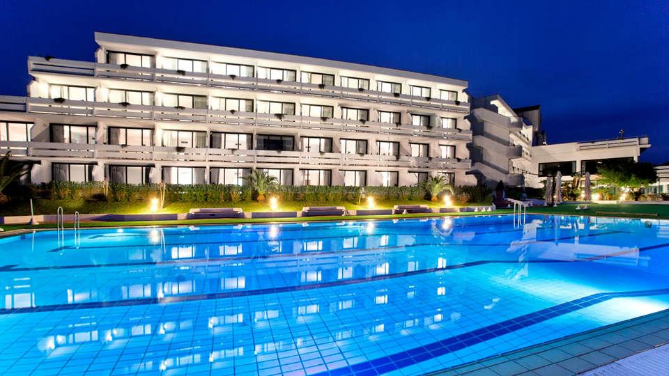 Grand Hotel Pianeta Maratea - Edit_Pool2.jpg