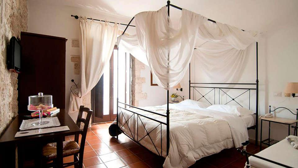 Corte Altavilla - EDIT_room.jpg