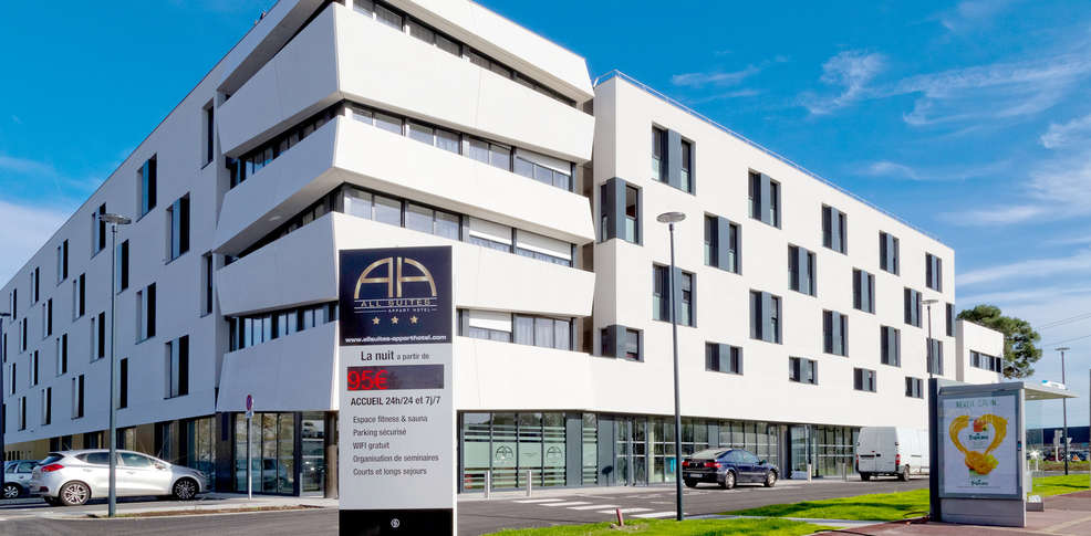 All suites appart h tel bordeaux pessac 3 pessac france for Appart hotel amsterdam
