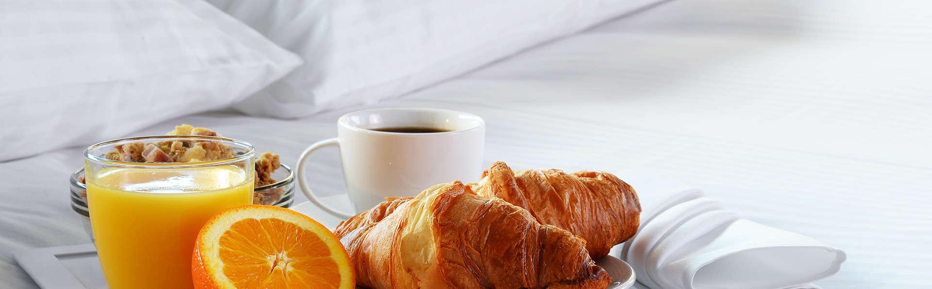 Ibis Utrecht - Edit_Breakfast.jpg