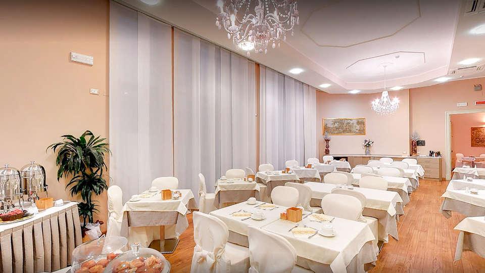 Hotel Villa Sylva - EDIT_buffet.jpg