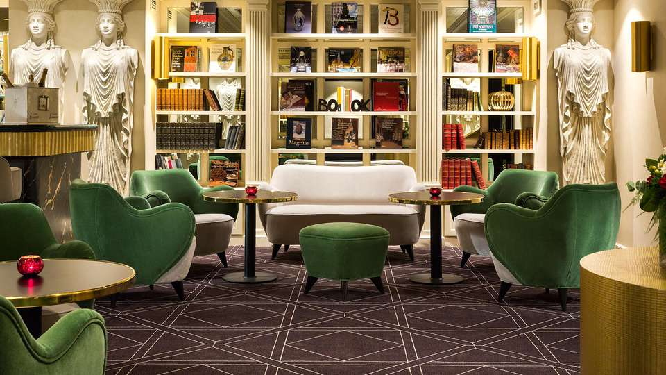 Hotel Barsey by Warwick - EDIT_NEW_bar1.jpg