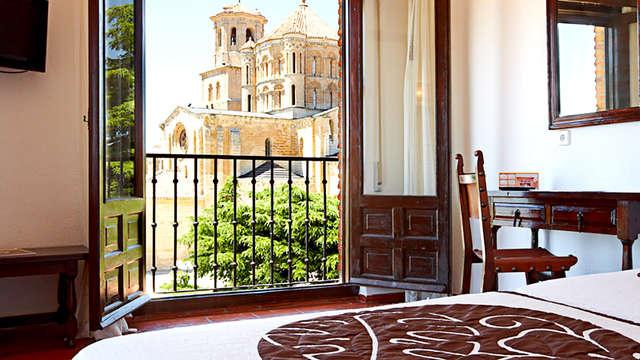 Escapada en el pueblo con encanto de Toro en hotel céntrico con vistas a la catedral
