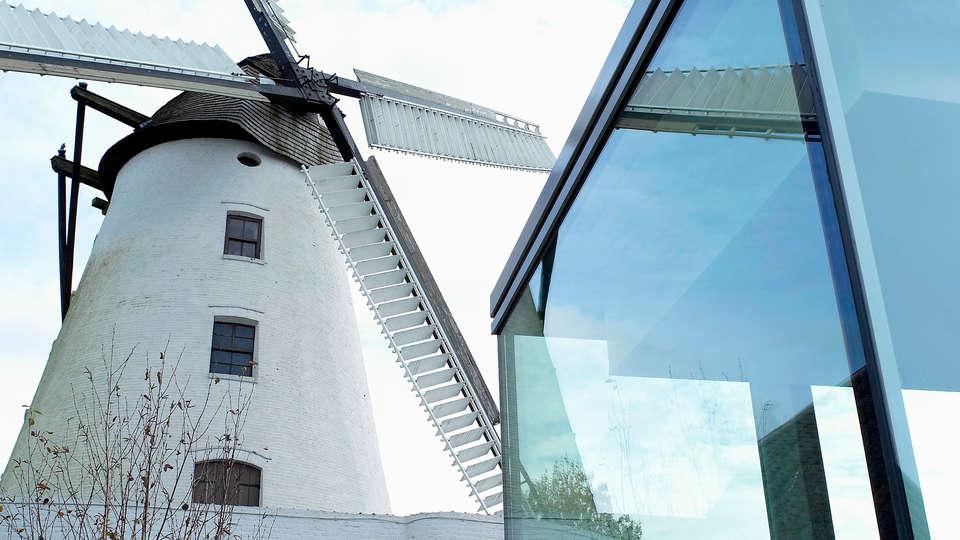 d-hotel Kortrijk - edit_front5y5.jpg