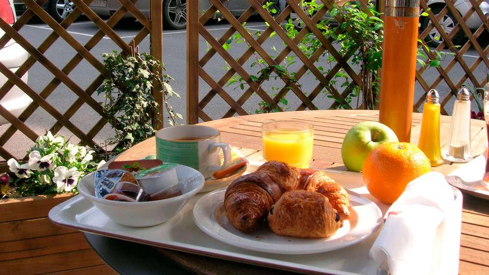 Ibis Mons Centre Gare - edit_breakfast32.jpg