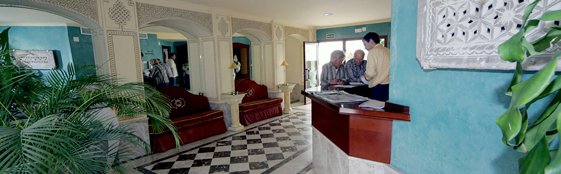 Hotel Toboso Apar-Turis - Edit_Reception.jpg
