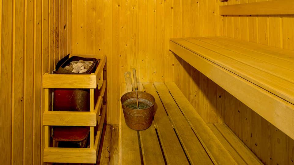 Hotel Toboso Apar-Turis - Edit_Sauna.jpg