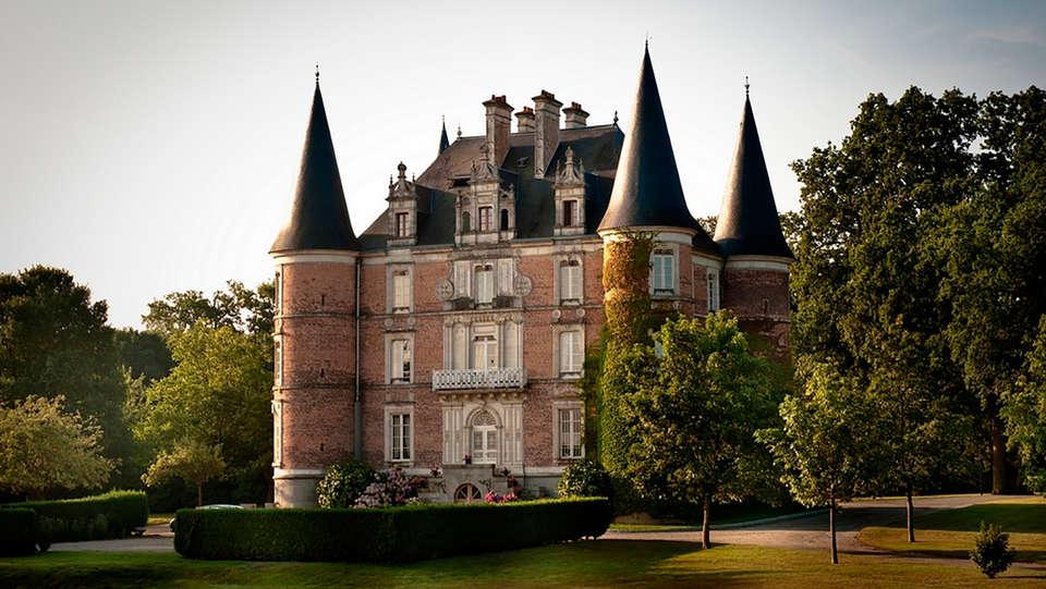 Château d'Apigné - EDIT_front.jpg