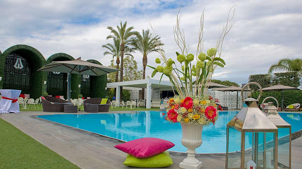 Hotel Giulia - edit_pool5.jpg