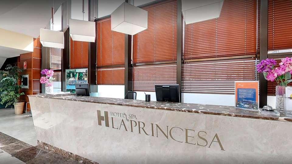 Hotel Spa La Princesa - EDIT_reception.jpg
