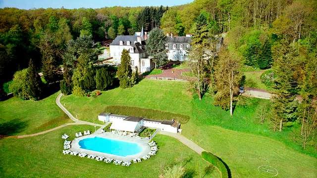 Chateau de Beauvois - frontpool