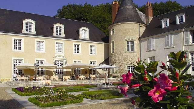 Chateau de Beauvois - terrace