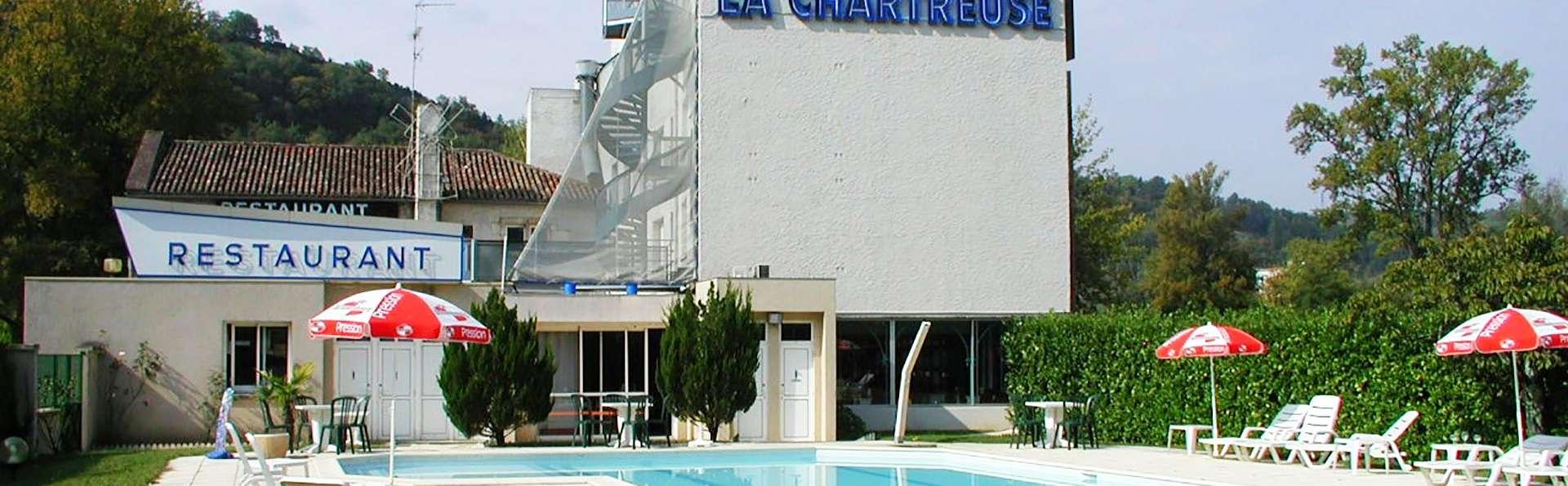 La Chartreuse - EDIT_frontpool.jpg