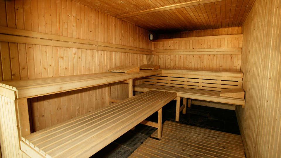 Hotel Bed4U Pamplona - EDIT_sauna.jpg