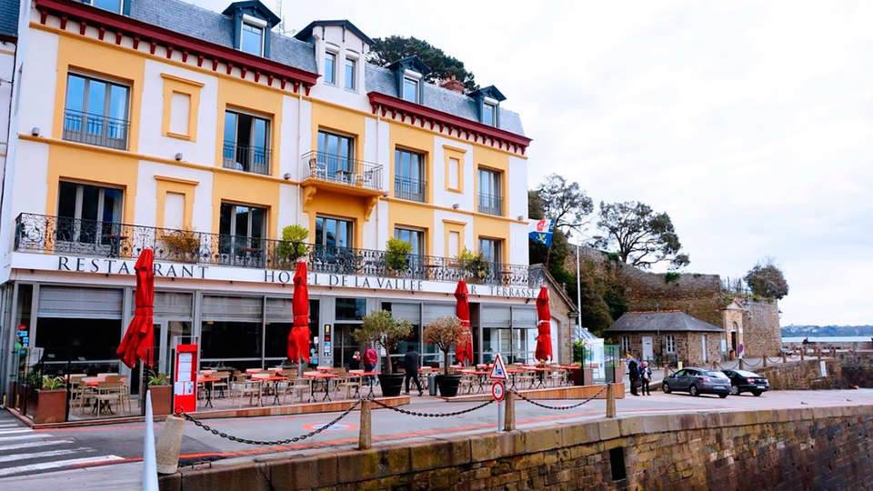Hôtel Restaurant de la Vallée - EDIT_front.jpg
