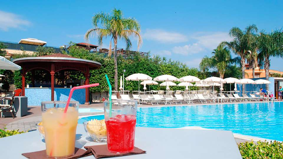 Hotel Premiere - EDIT_pool2.jpg