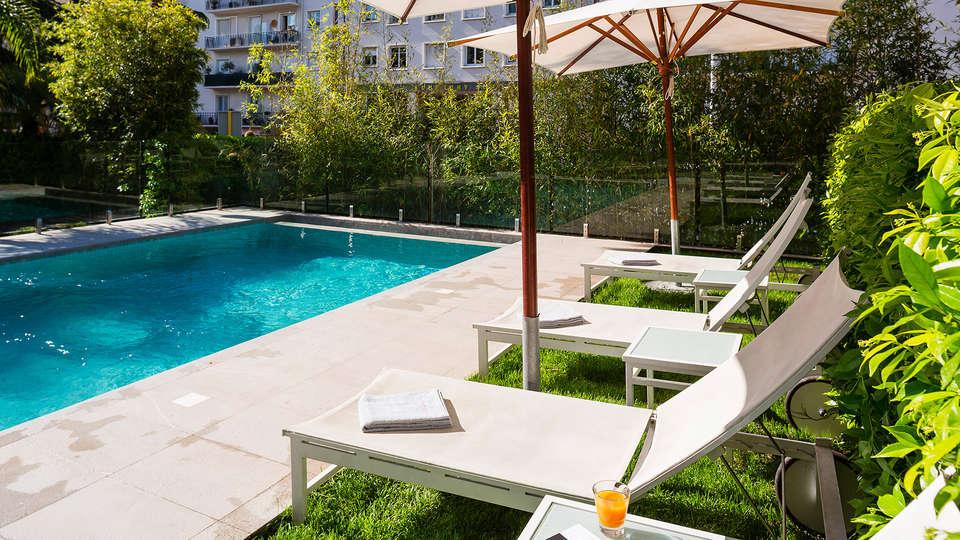 Hôtel Le Canberra - EDIT_pool.jpg