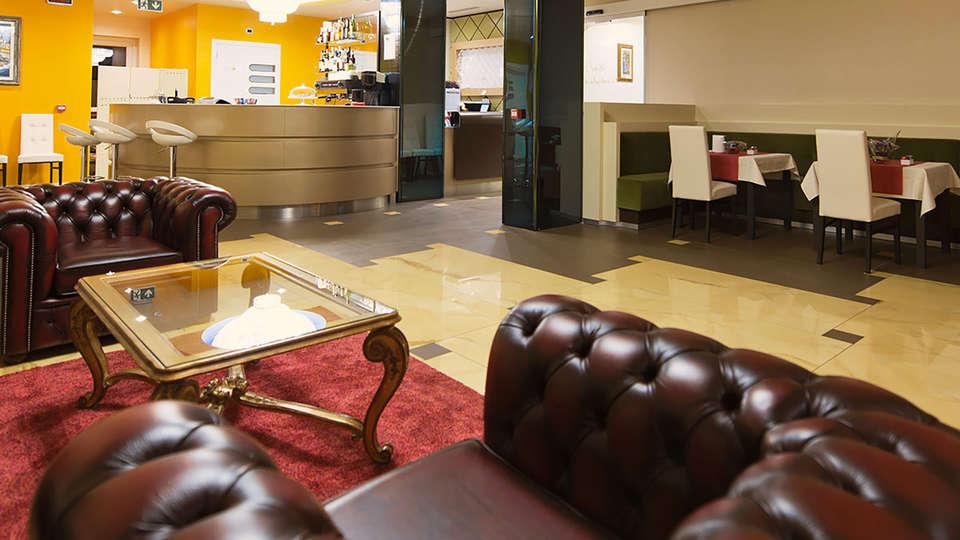 Palace Hotel La Conchiglia d'Oro - Edit_lounge.jpg