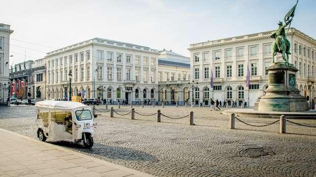 Bruselas desde otra pespectiva con un tuk-tuk