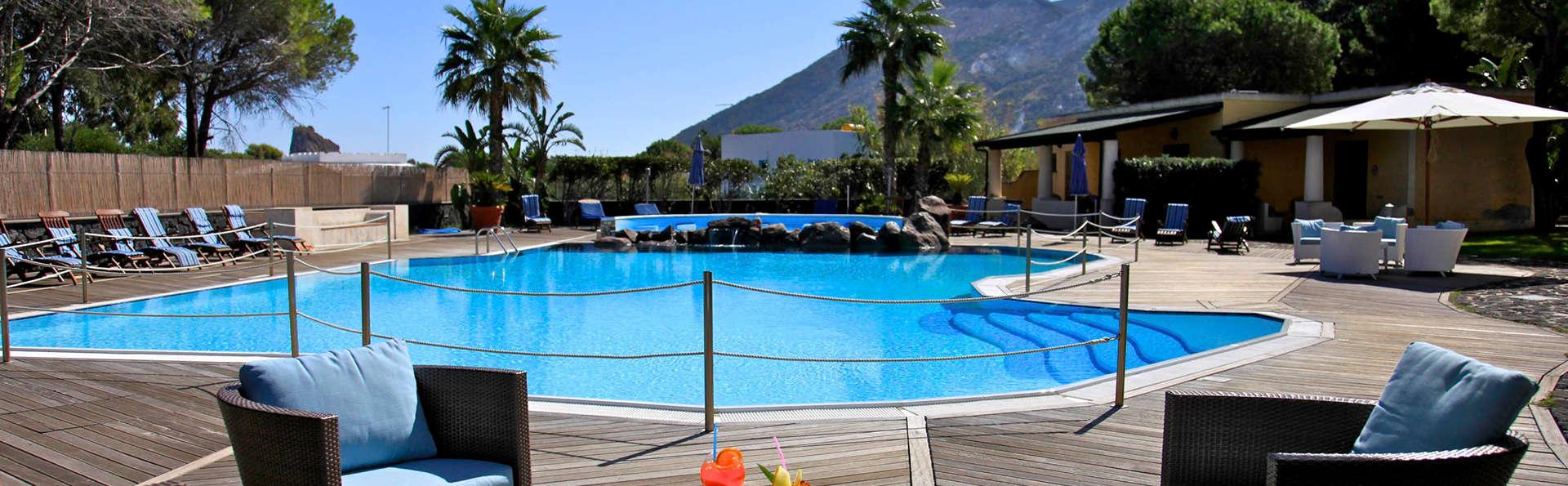 Hotel Orsa Maggiore - edit_pool2.jpg