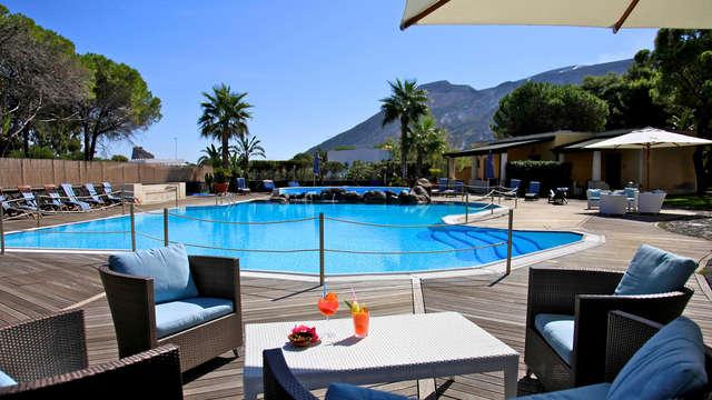Vacanza sull'Isola di Vulcano in hotel familiare con piscina