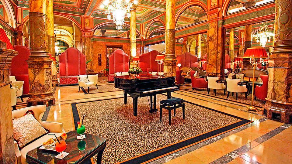 Hotel Metropole - EDIT_pianobar.jpg
