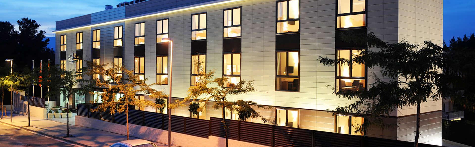 Hotel Desitges - Edit_Front2.jpg