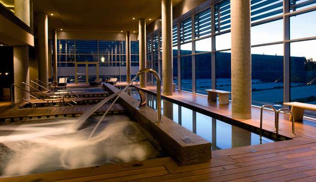 Escapada de lujo en un 5* con acceso al circuito hidrotermal del Wine Spa y experiencia enológica