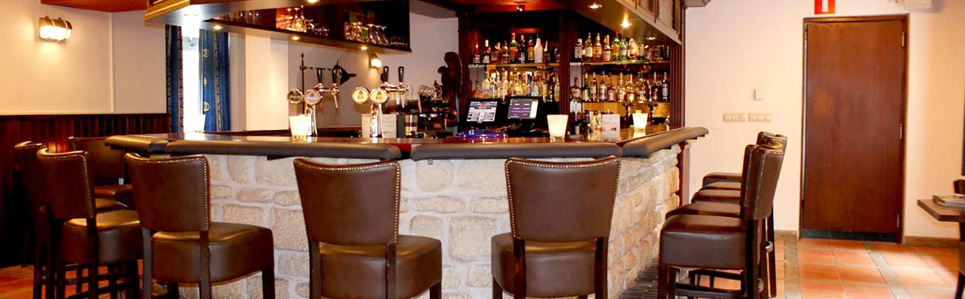 Fletcher Hotel-Restaurant De Dikke van Dale - Edit_Bar.jpg