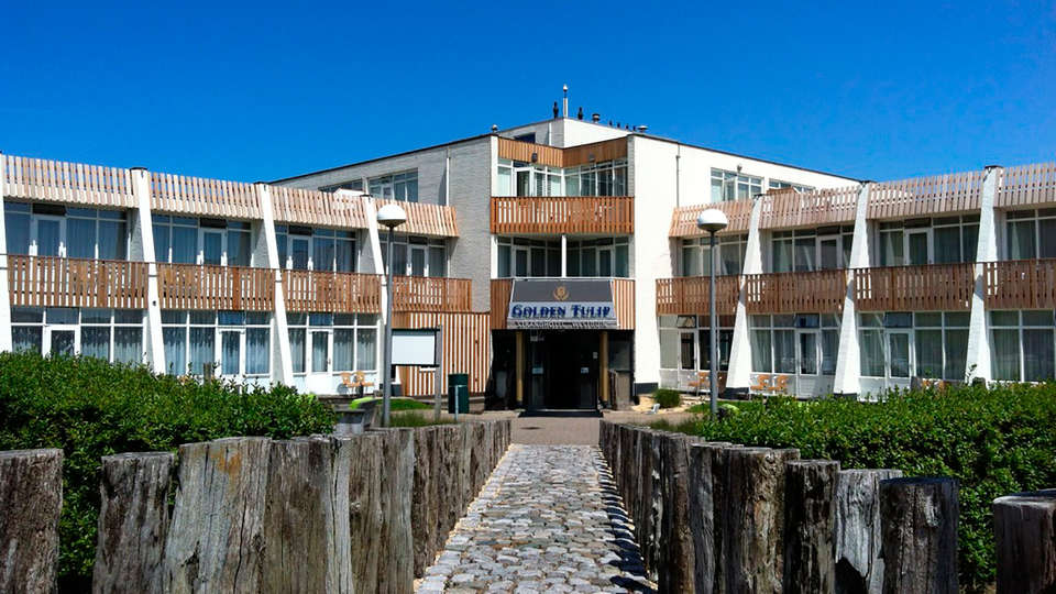 Strandhotel Westduin - EDIT_front2.jpg