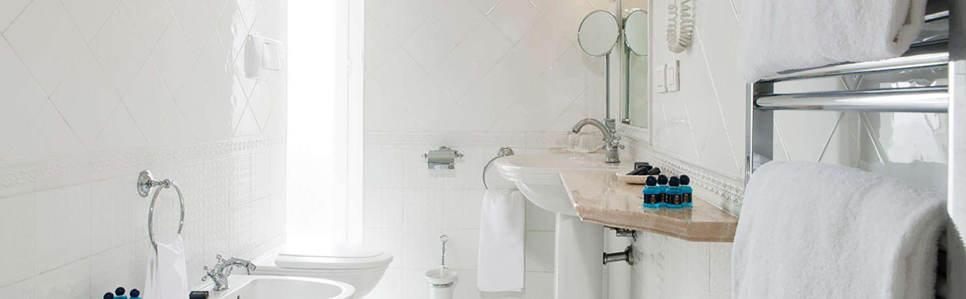 Hotel Victoria Roma - EDIT_bath.jpg