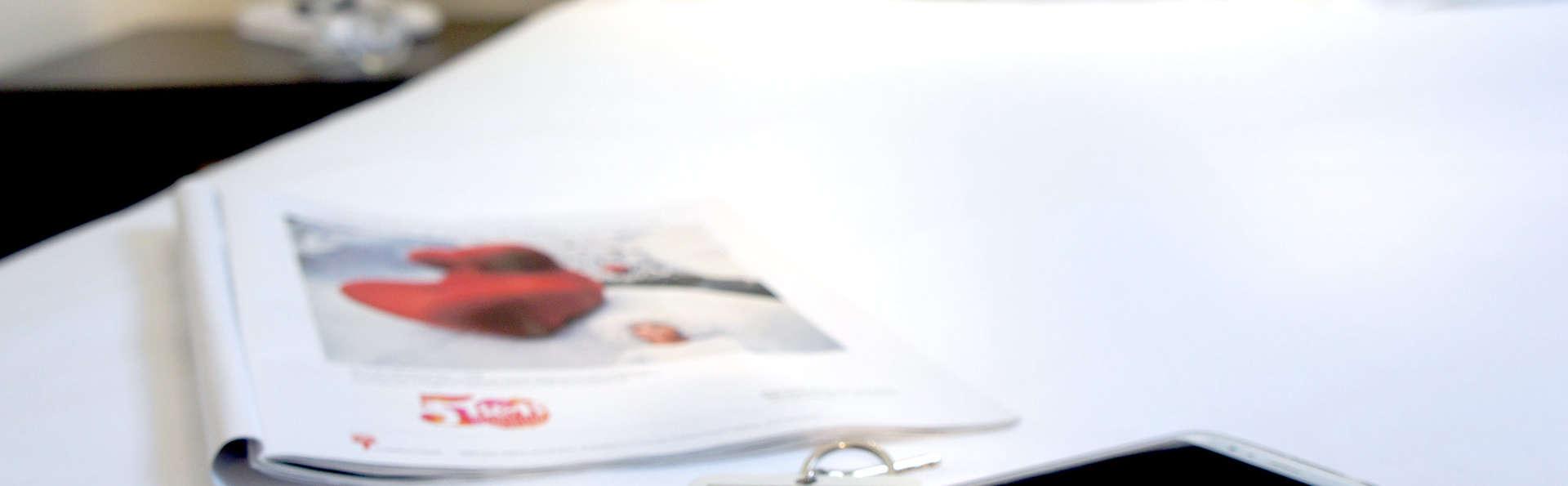 ibis Brussels Erasme - Edit_Room.jpg