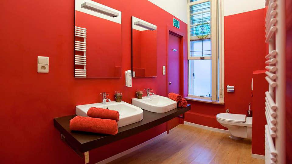 Hotel Orion - EDIT_bath.jpg