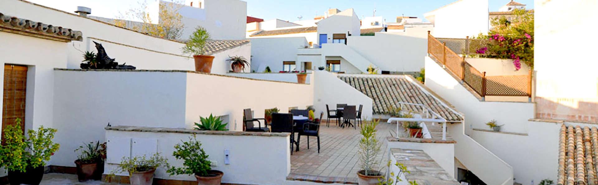 Especial Mini-Vacaciones : Disfruta del verano en el corazón de Andalucía con desayuno incluido