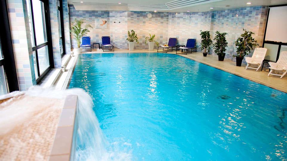 Dorint Parkhotel Bad Neuenahr - edit_pool3.jpg
