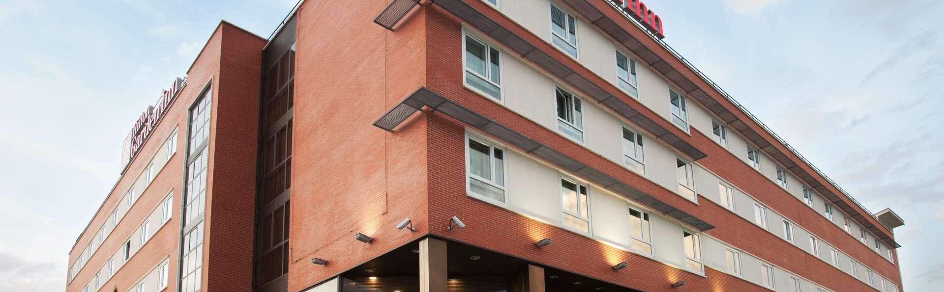 Hilton Garden Inn Málaga - Fachada.jpg