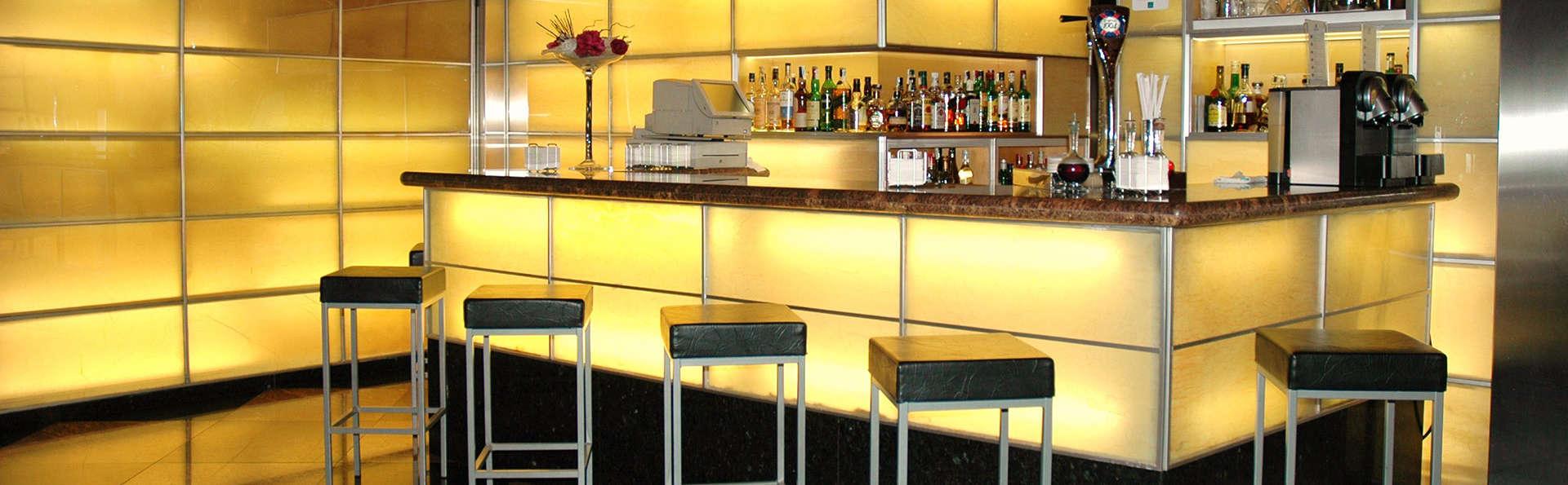 Abba Sants Hotel - EDIT_bar.jpg