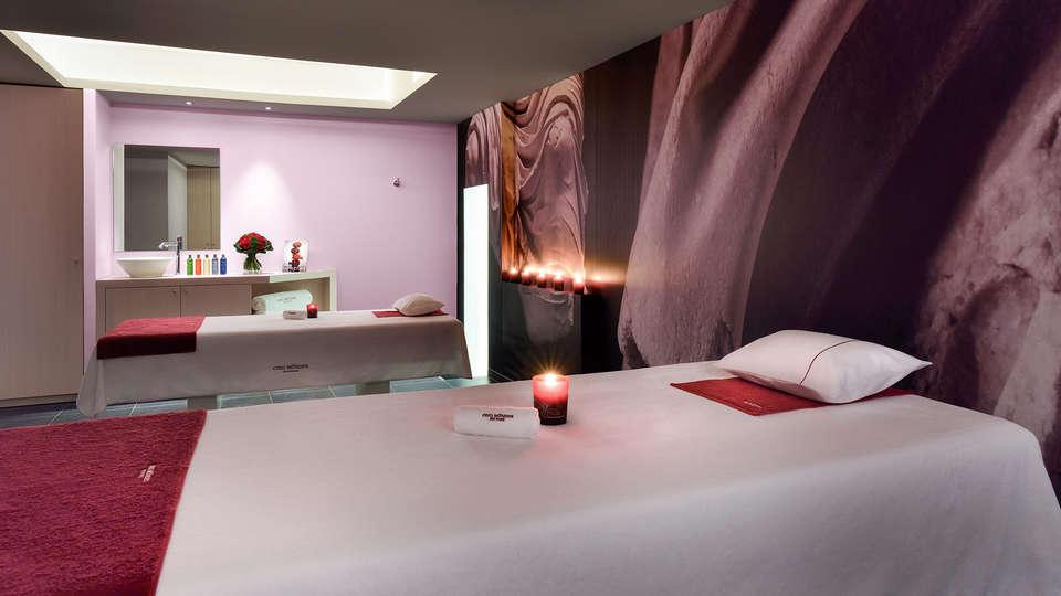 Hôtel & Spa Jules César Arles - MGallery - EDIT_massageroom.jpg